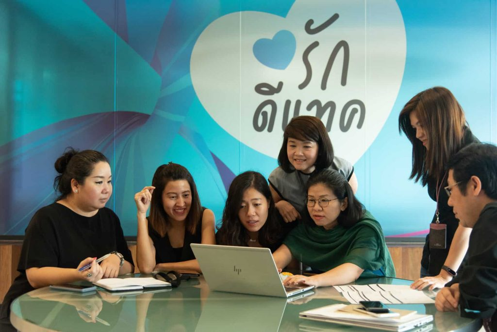 dtac's special team fixing up to 90 percent of customer complaints
