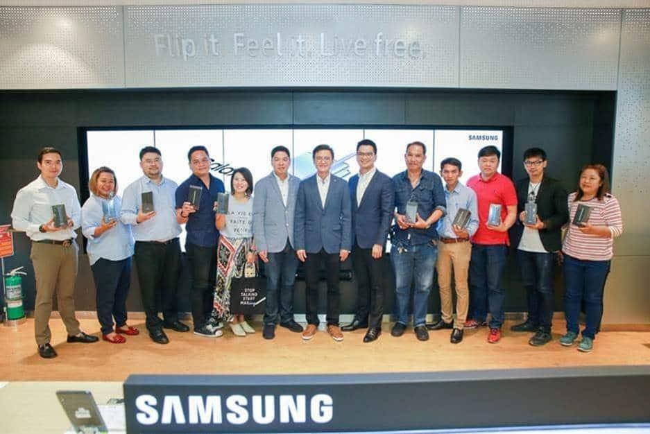 ดีแทคจัดงานVVIPมอบ Samsung Galaxy Note 10 & 10+ ให้แก่ลูกค้าBlueMember ได้รับสิทธิ์ก่อนใคร
