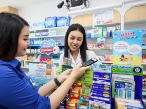 ดีแทคและซันเดย์ อินส์ จับมือร้านยาฟาสซิโน และร้านยากรุงเทพ เครือข่ายร้านยารายใหญ่ในไทย ขยายต่อความสำเร็จ 'ใจดีช่วยค่ายา'